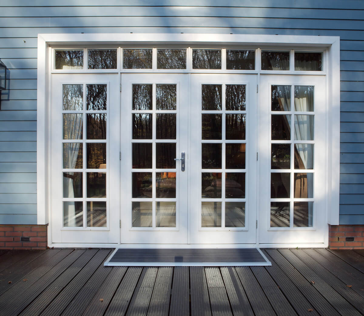 Sfeerimpressie RiZZ deurmat The New Standard zilver 1.jpg
